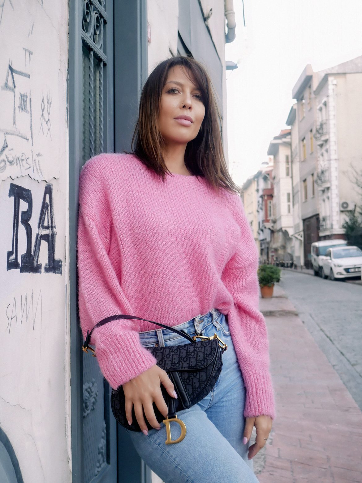 pink-sweater-fashion